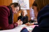 Un appel à contributions sur les initiatives innovantes de soutien aux proches aidants